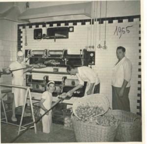 1955 : in via Combi si sfornano le rosette